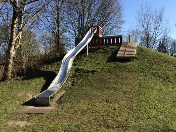 Kleinkind Klettert Dreieck : Pikler dreieck mit rutsche online kaufen in der kinderspielewelt